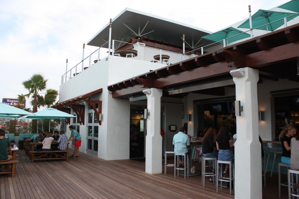 Indoor/Outdoor bar at Salt Life